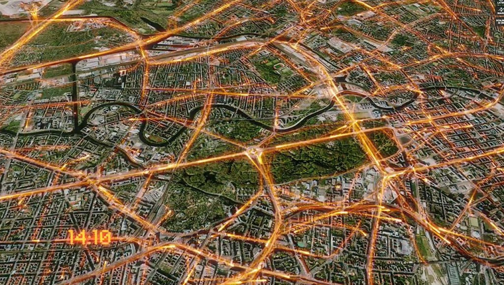 Sensordaten aus vernetzten Autos, Straßen-Sensoren, Daten aus Verkehrsleitsystemen und viele andere Quellen setzt HERE in seinen Rechenzentren zu Echtzeit-Verkehslagebildern zusammen.