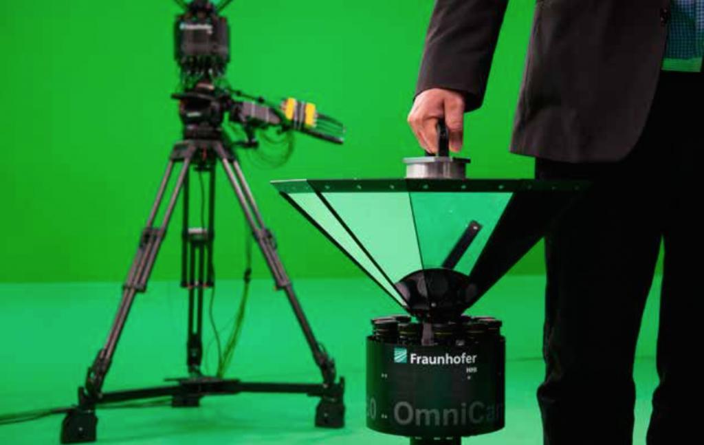 Mit rund 16 Kilogramm Gewicht und kompakter Bauweise bleibt die Panorama-Kamera tragbar.